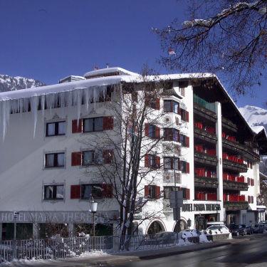q-hotel-375x375