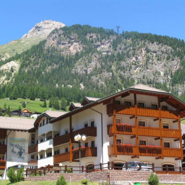Skiing in Campitello - the best hotels