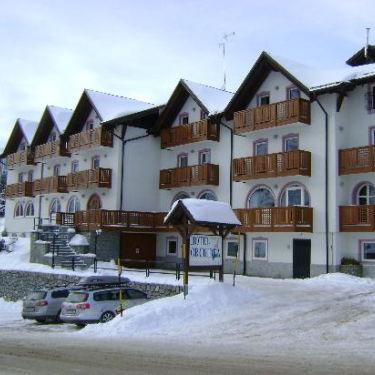 hotel-orchidea-passo-tonale-2_375x375_2